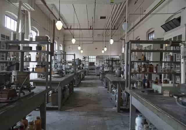 alat dan bahan laboratorium biologi